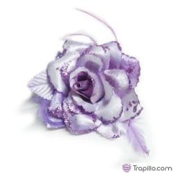 Flor con imperdible y coletero
