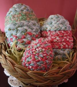 huevos-decorados-con-tela