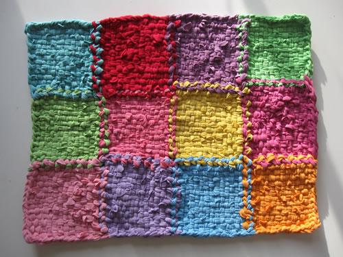 Patchwork con trapillo alfombra de retazos el blog de for Tejidos de alfombras