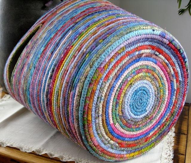 Variaciones de los cestos de tela y cuerda el blog de - Cesta de cuerda y ganchillo ...