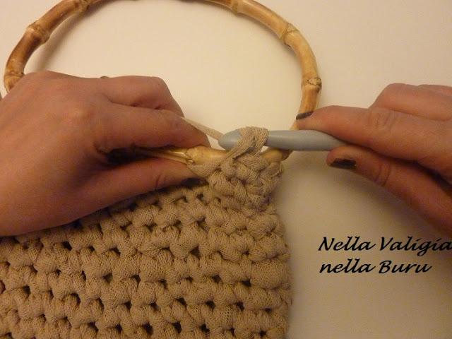 C mo colocar asas a un bolso el blog de - Como hacer alfombras con trapillo ...