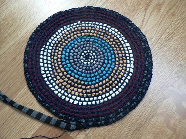 Tapetes y alfombras de trapillo y lana el blog de - Tejer con trapillo ...
