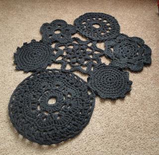 alfombra-tejida-calada