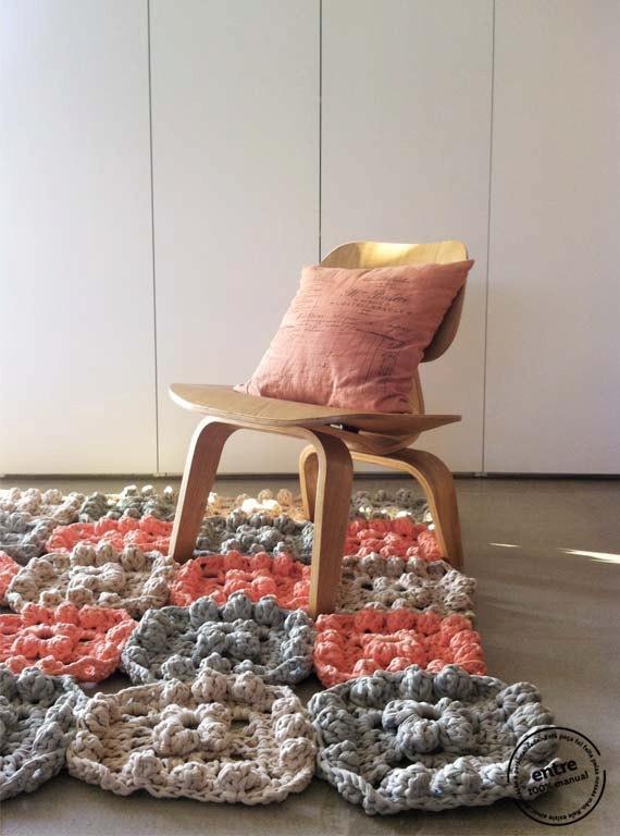 Lenceria De Baño Tejida A Crochet:Alfombra Tejida A Crochet Con Tiras ...