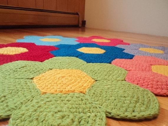 Inspiraci n modelos de alfombras de tela reciclada el - Alfombras bano originales ...