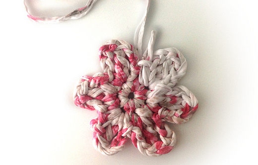 Cmo hacer una flor de crochet XL El blog de trapillocom