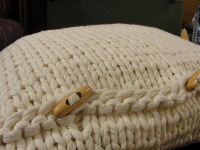 Modelos de almohadones tejidos con tela el blog de - Tejer con trapillo ...