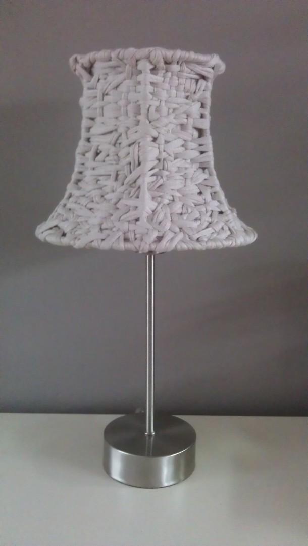 Pantallas tejidas para l mparas de mesa o pie el blog de - Pantallas de lamparas ...