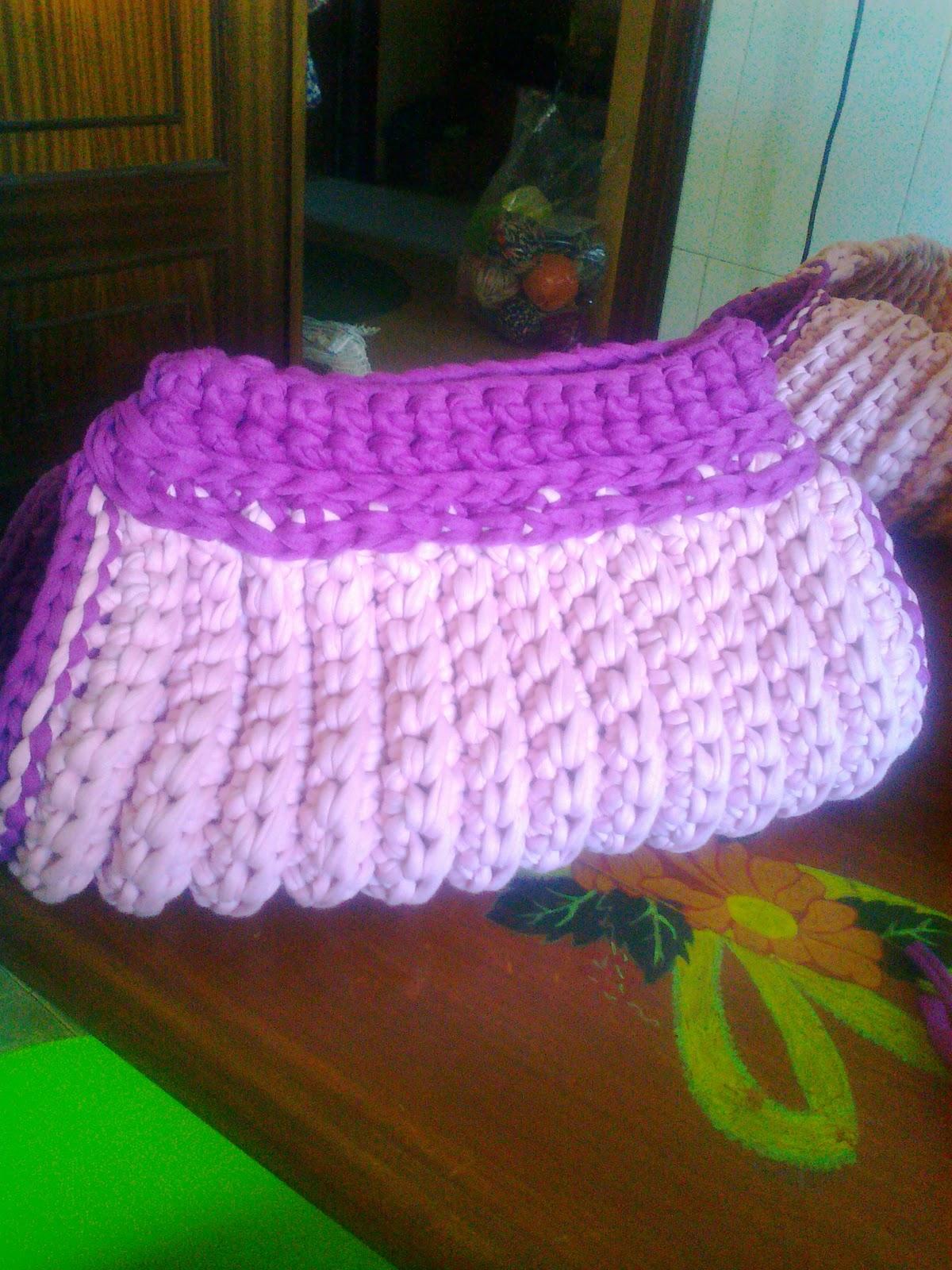 Bolsos juveniles tejidos a crochet patrones for Bolsos de crochet de trapillo