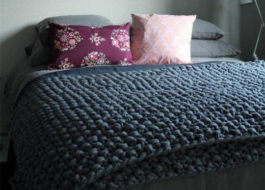 Mantas tejidas en trapillo el blog de - Mantas de punto hechas a mano ...