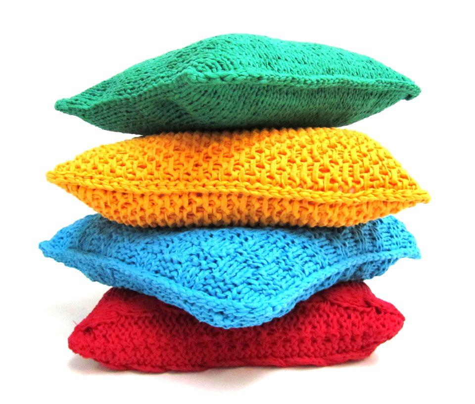 Modelos y técnicas: elegantes y divertidos almohadones de trapillo ...