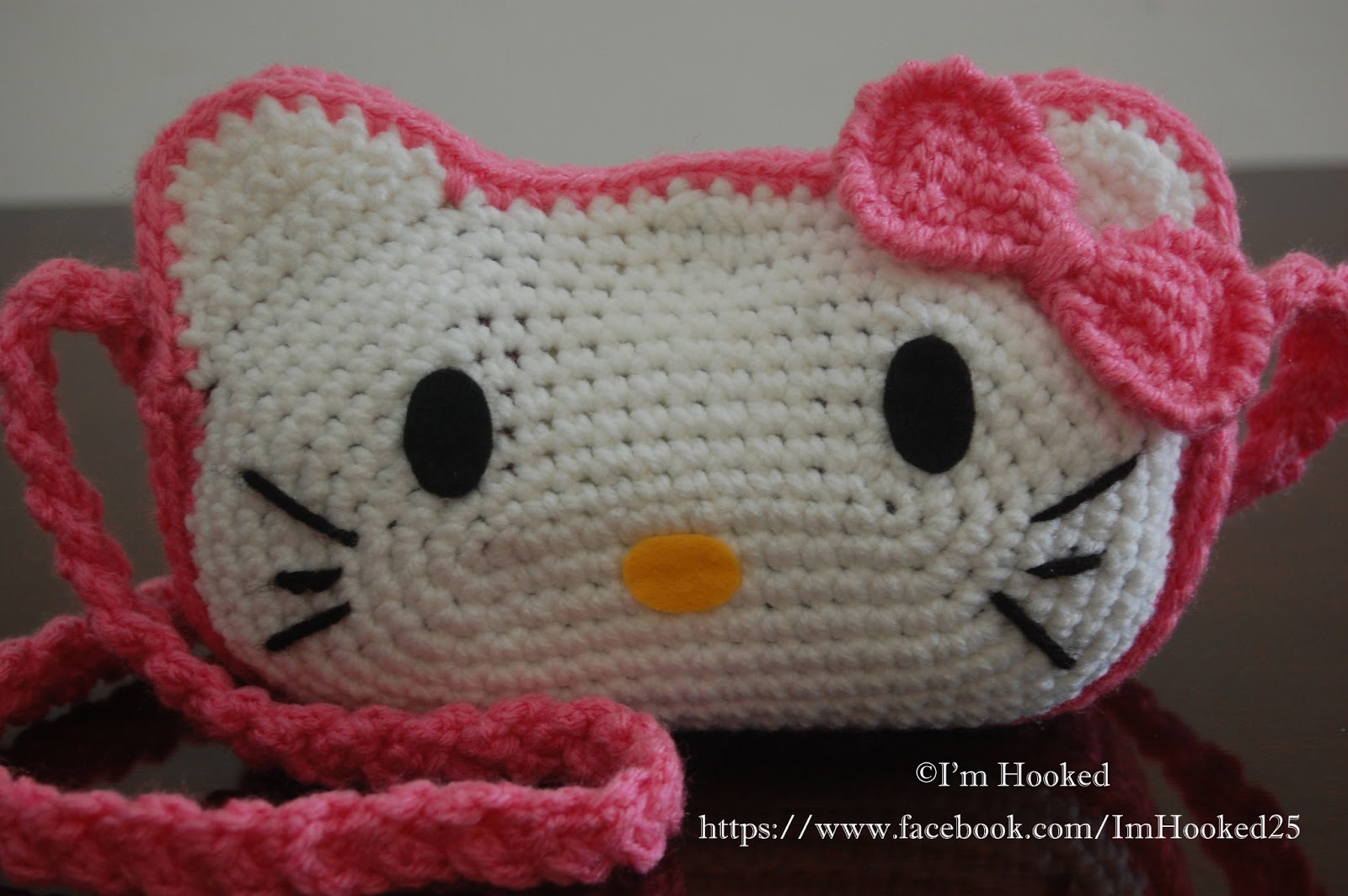 How To Crochet Hello Kitty Bag By Marifu6a Free Pattern Tutorial : Patrones de Hello Kitty para trapillo y lana El blog de ...