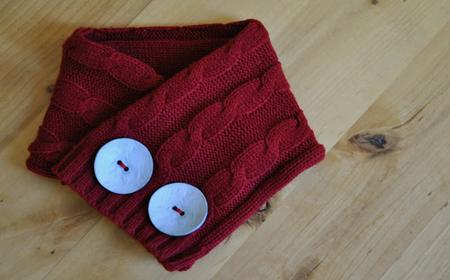 Cómo hacer una bufanda con un sweater