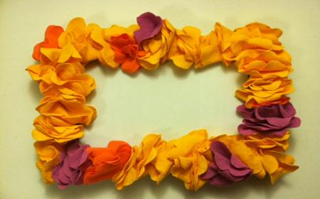 Decorar Un Marco Con Flores De Tela El Blog De Trapillocom - Decorar-marco-fotos