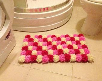 Modelos de alfombras con pompones el blog de - Como hacer alfombras de lana ...