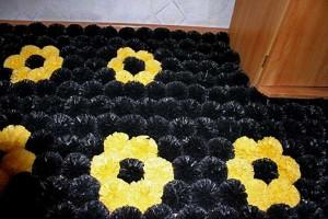 plastic-bag-recycling-pompons-floor-mat-1