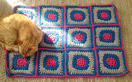 Modelos de alfombras cuadradas de trapillo