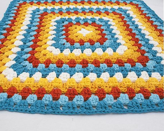Modelos de alfombras cuadradas de trapillo el blog de - Alfombra de trapillo cuadrada ...
