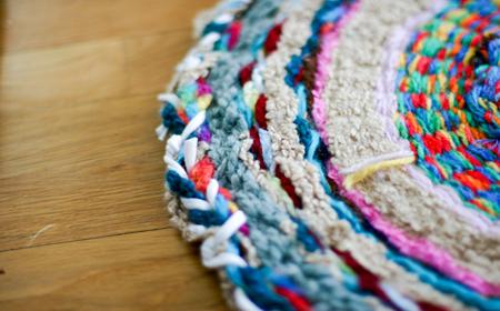 Cómo hacer una alfombra con un hula hop