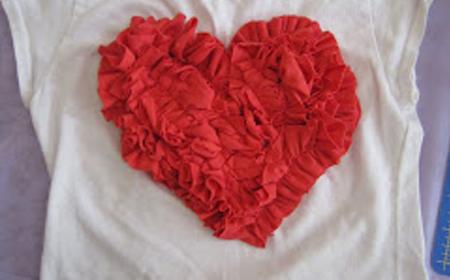 Corazón de volantes de trapillo