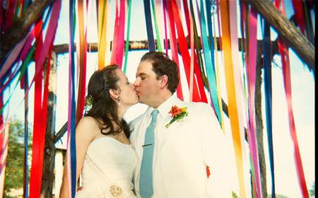 Decora tu boda con tiras de tela