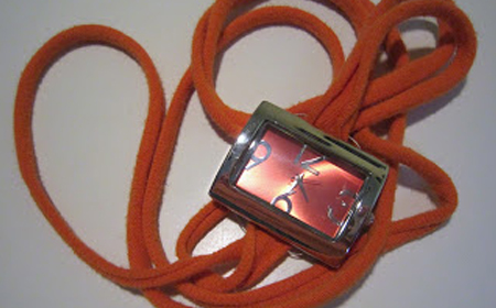 Reloj con tiras de trapillo