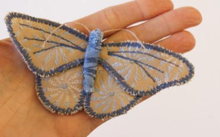 Cómo hacer un broche con una mariposa de tela