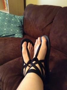 bright-diy-summer-sandals-and-flip-flops-500x669