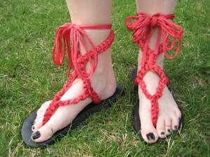 bright-diy-summer-sandals-and-flip-flops11