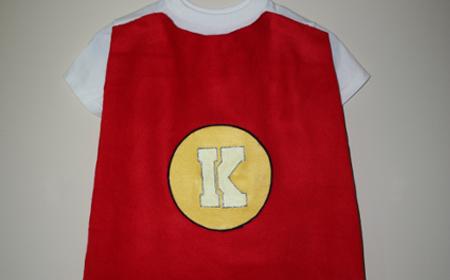 Capa de héroe para niños