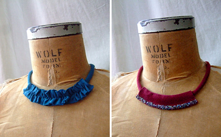 Collar de trapillo decorado