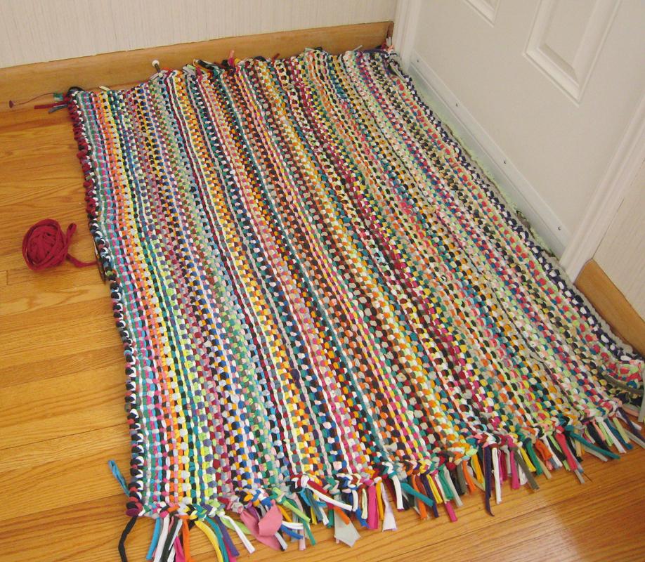 5 modelos de alfombras de trapillo el blog de for Alfombra colores