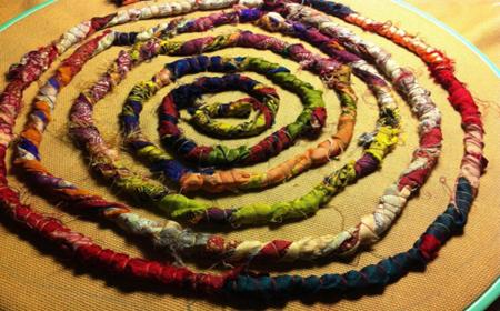 Espiral de tela reciclada