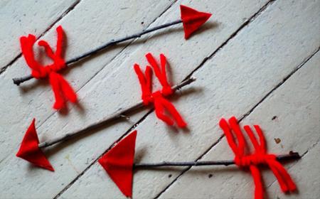 Actividades para niños flechas con tela