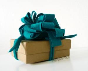 Lazo de regalo con trapillo