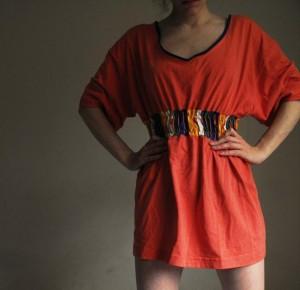 Transforma una camiseta en un vestido-túnica