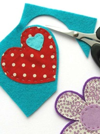 step-5-how-to-make-felt-and-fabric-brooches