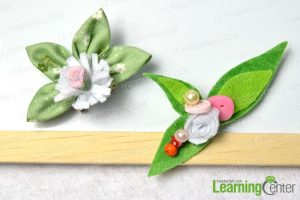DIY-a-Nice-Pair-of-Fabric-and-Felt-Flower-Brooches-with-Beads-and-Buttons-finished