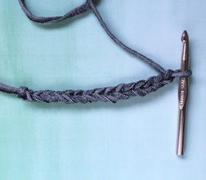 La técnica del lápiz para tejer trapillo