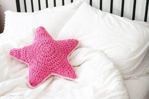 crochet-star-pillow-18