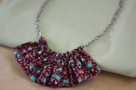 Modelos de collares fruncidos de tela
