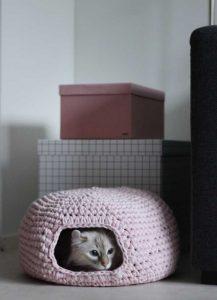Crochet-Cat's-Cave-02