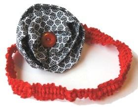 Bandana con flor de tela