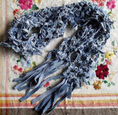 Haz una bufanda con jeans reciclados