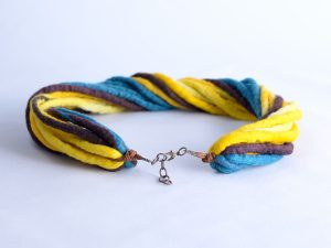 original-necklace-made-of-ropes-n173