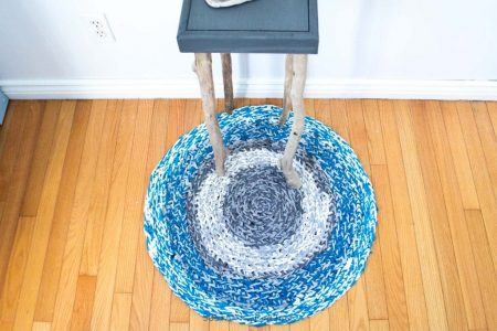 How-to-make-a-tshirt-yarn-rug-5051-1024x683